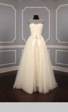 Monique Lhuillier Grace: buy this dress for a fraction of the salon price on PreOwnedWeddingDresses.com