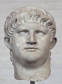 Nero Millioner af døde: 0,9 N. dræbte først sin mor, derefter sin kone, derefter sin øvrige familie efter tur. Nero optrådte for tvangs- indbudte publikum. N.s sidste ord var, 'Hvilken kunst- ner verden hér mister!' Rom jublede ved hans død.