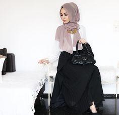 Hijab + Maxi + The Prettiest Shade of Purple (asiyemx)