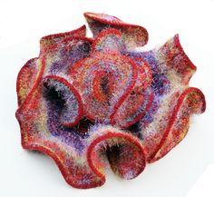 Daina Taimina - Fuzzy Web Crochet Sculpture