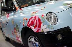"""Cath Kidston Taxis kentish rose blue 180 Piccadilly """"first shabby chic car I have ever seen"""" Cath Kidston, Overbeck And Friends, Volkswagen, Pip Studio, Cute Cars, Car Painting, Car Wrap, Car Detailing, Fiat 500"""