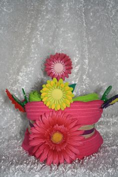 My newest creation.a kitchen towel cake, flower scrubber and some chip clip magnets.created for a Mother's Day gift. Kitchen Towel Cakes, Kitchen Towels, Dish Towel Crafts, Dish Towels, Origami, Magnets, Holiday, Christmas, Things To Think About