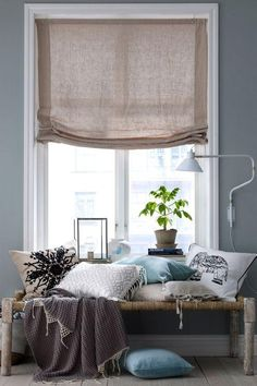 roman shades for the bedroom Roman Curtains, Modern Curtains, Curtains With Blinds, Curtains Over Radiator, Burlap Curtains, Home Interior, Modern Interior Design, Interior Design Inspiration, Interior Decorating