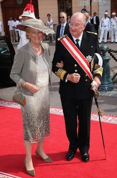 King Albert of Belgium will abdicate in favor of his son on July 21, 2013.