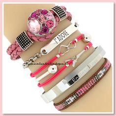 Ze zijn er weer! Onze gevlochten leren armbanden gecombineerd met mix & match armbandjes, wij houden ervan!  Hoe leuk is deze combi ?! We ♡ it  www.armbandonlinekopen.nl
