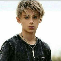 Cute 13 Year Old Boys, Young Cute Boys, Cute Teenage Boys, Teen Boys, Boy Models, Male Models, William Franklyn Miller, Cute Blonde Boys, Boy Hairstyles