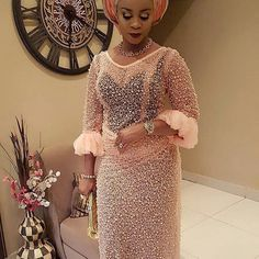 Hello Ladies. here are the selection of Latest Aso Ebi Trends That Make Sense For this Year this will improve your confidence and also act as inspiration for you to be stylish in appearance.