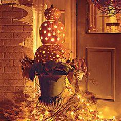Google Image Result for http://2.bp.blogspot.com/--Cwg9aiXlPw/TnH6gKkfkVI/AAAAAAAAALc/eCo-hlf1CBI/s1600/pumpkin-topiary-1.jpg