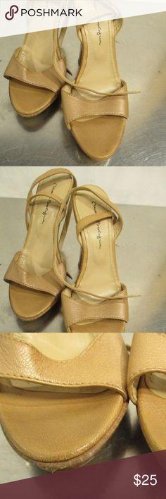 "Mario Bologna Women's Heels - Size 10 Description: Mario Bologna Women's Heel  Brand: Mario Bologna  Approximate Measurement: Size 10 Width 3.5"" Heel 4"" Mario Bologna Shoes Heels"