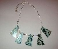 Make Your Own Funky CD Jewelry . Free tutorial with pictures on how to make a recycled necklace in under 30 minutes by jewelrymaking with jump rings, chain, and oven. Record Crafts, Cd Crafts, Crafts For Teens, Jewelry Crafts, Jewelry Ideas, Teen Crafts, Jewelry Design, Lego Necklace, Diy Necklace