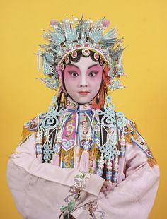 This was Charles Fréger's first trip to China. He returned there twice more while making the series Opera. Modern Photography, Creative Photography, Charles Freger, Chinese Opera, Dragon Dance, Mushroom Art, Chinese Culture, Asia, Face Art
