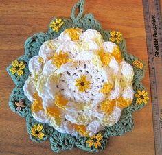 """Vintage Crochet Potholder Petal Rose irlandesa o flor de la margarita del tamaño 8 """"a través de la mano de ganchillo Circa 1970 decorativo Kitchen Decor"""