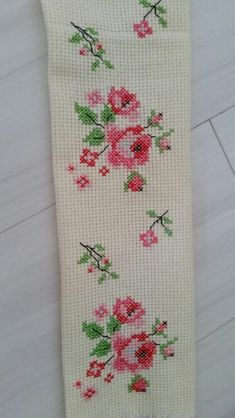 This Pin was discovered by Sem Cross Stitch Bookmarks, Cross Stitch Rose, Cross Stitch Borders, Cross Stitch Flowers, Cross Stitch Charts, Cross Stitch Designs, Cross Stitch Patterns, Embroidery Applique, Cross Stitch Embroidery