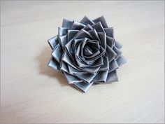Duck tape flower. So pretty so easy. Make ring, brooch, hairpin, go creative!