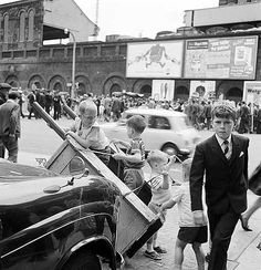 Club Row Marke, looking south across the Bethnal Green Road towards Sclater Street. 1960s           by John Gay