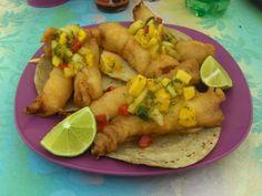 Tacos de pescado.