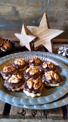 Marzipan- Walnuss- Plätzchen – Delicious dishes around my kitchen - Kuchen Fall Desserts, Healthy Desserts, Cookie Recipes, Snack Recipes, Fudge Recipes, Walnut Cookies, Easy Smoothie Recipes, Pumpkin Spice Cupcakes, Easy Snacks