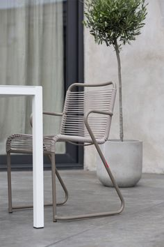 Lido Karmstol - Fiam @ Rum21.se Outdoor Chairs, Outdoor Furniture, Outdoor Decor, Dining Arm Chair, Taupe, Armchair, Instagram, Home Decor, Velvet