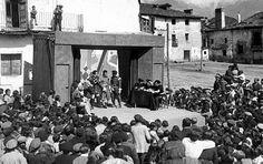El proyecto educativo durante la II República. La misión pedagógica. Spain, Painting, Art, Vsco, Blog, Socialism, Axe, War, South Beach