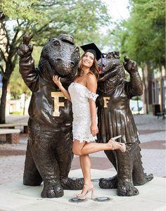 Grad Pics, Graduation Pictures, Senior Pics, Senior Year, Senior Pictures, Florida Gatora, Graduation Photography, Cute Crafts, Photography Ideas