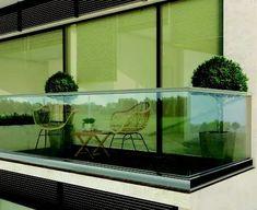 Barandas en cristal templado para arquitectura – Kelender Glas Piramidal – Shawer