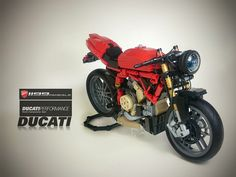Ducati 1199 Panigale (Without the cover) Legos, Lego Lego, Lego Motorbike, Ducati 1199 Panigale, Lego Kits, Lego Truck, Lego Construction, Lego Mechs, Cool Lego Creations