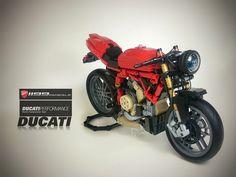 Stunning LEGO Ducati bike