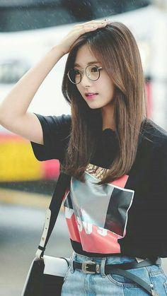Twice tzuyu, twice tzuyu glasses, kpop idol glasses Kpop Girl Groups, Korean Girl Groups, Kpop Girls, Nayeon, Twice Tzuyu, Oppa Gangnam Style, Kpop Girl Bands, Idol, Twice Kpop
