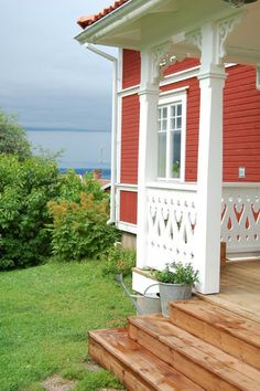 Swedish Cottage, Red Cottage, H & M Home, Home Look, Porches, Sweden House, Red Houses, House In Nature, Cottage Exterior