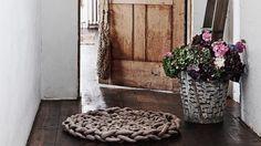 Homelife - How To Make A Chunky Rug