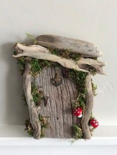 Rustic Fairy Door/Wedding/ Woodland /enchanted forest/ fairy garden / baby shower tinkerbell nursery garden decor tree decor by Rusticredoo on E Diy Garden Decor, Garden Art, Garden Design, Easy Garden, Garden Ideas, Forest Wedding Decorations, Forest Decor, Fairy Garden Doors, Diy Fairy Door