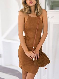 Vestido de Camurça Alcinha Curto - Compre Online Dress Outfits, Cute Outfits, Dresses, Moda Country, Eclectic Style, Dress Skirt, Boho Chic, Cold Shoulder Dress, Fashion Looks