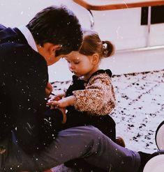 Beautiful Women Videos, Beautiful Children, Beautiful Babies, Cute Kids Pics, Cute Baby Pictures, Cute Little Baby Girl, Baby Love, Cute Family, Family Goals