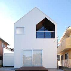 東側外観: 星設計室が手掛けた家です。