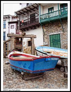 Barca varada, tazones Asturias