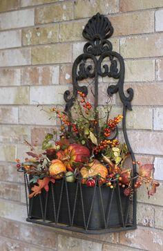 Fall porch deco