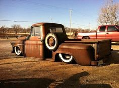 Rat Rod beauty. Nothin better than some old metal layin around with a tan