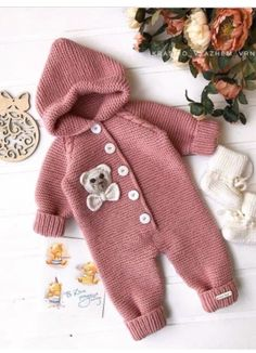 Diy Crafts - bebiş,Easy-You Can Prepare for Winter with Baby Knitting Models Baby Cardigan, Baby Pullover, Teddy Bear Clothes, Knitted Baby Clothes, Diy Romper, Baby Girl Fall, Baby Boys, Diy Crafts Knitting, Baby Overall
