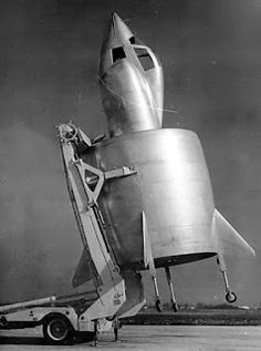 The SNECMA Coléoptère was a VTOL aircraft developed by the French company SNECMA in the It was a single-person aircraft with an annular wing designed to take-off and land vertically, therefore requiring no runway and very little space. Pilot, French Government, Aviation Image, Experimental Aircraft, Wings Design, Old Photographs, Aircraft Design, Retro Futurism, Military Aircraft