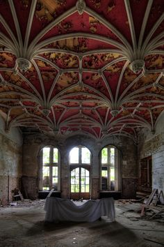 Greatness and decadence; the ceiling is amazing. THIS NEEDS TO BE SAVED, Or at least the Ceiling.