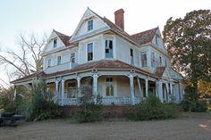 Abandoned house in Asburn, Turner County, Georgia.
