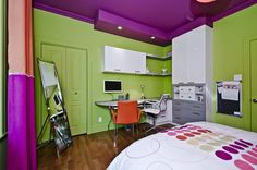 Chambre d'adolescente. Coin bureau annexé au mobilier de rangement Lolo, Colorful Decor, Decoration, Purple, Pink, Marie, Decorating Ideas, Rooms, Interiors