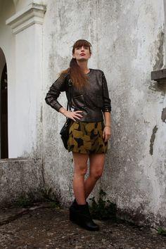 Metallic Knit and camo skirt   #skirt #miniskirt #fashion #knitwear #streetstyle #style #outfit #girl #fashionblog #fashionblogger #madeinitaly #dark #military  #pring #ring #bijoux #black