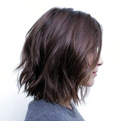 70 Fabulous Choppy Bob Hairstyles Messy Bob With Jagged Ends Related posts:Shampoo selber Hochzeitstorte Trends: 25 Tropfen Gorgeous Medium Length Hairstyles For Women - Claire C. Hairstyles Haircuts, Cool Hairstyles, Hairstyle Ideas, Hair Cut Ideas, Curly Haircuts, Classic Hairstyles, Short Hairstyles For Women, Haircuts For Girls, Bob Hairstyles How To Style