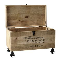 wooden trunk on castors W Wooden Trunk Diy, Old Wooden Boxes, Wooden Trunks, Wood Boxes, Pallet Crates, Wood Crates, Multipurpose Furniture, Firewood Storage, Trunks And Chests
