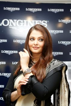 Aishwarya Rai Bachchan Launch Longines Watch Show Room
