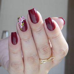 No photo description available. Rose Nails, Flower Nails, Gel Nails, French Nail Designs, Toe Nail Designs, Manicure Colors, Nail Art Kit, Short Nails Art, Spring Nail Art
