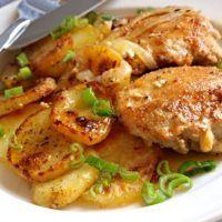 Recept : Kuřecí kousky s bramborami zapečené ve šlehačce | ReceptyOnLine.cz - recepty a inspirace