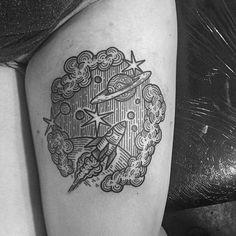 #tattoo by @kolahari at #thecirclelondon_________ ref nuvens