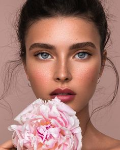 Make-Up beauty makeup, natural makeup, makeup eyeshadow. Soft Makeup, Natural Makeup Looks, Natural Make Up, Pink Makeup, Natural Beauty, Beauty Shoot, Hair Beauty, Makeup Eyeshadow, Hair Makeup